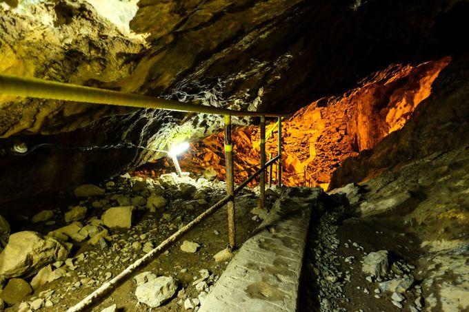 未だ謎多き洞穴