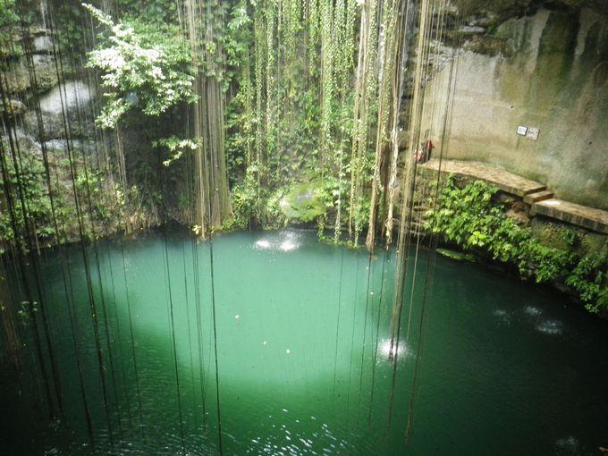 神秘に満ちた遺跡チェチェンイッツァと聖なる泉