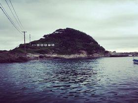 都心からスグ!穴場海水浴スポット「千葉南房総・仁右衛門島」の魅力|千葉県|トラベルjp<たびねす>