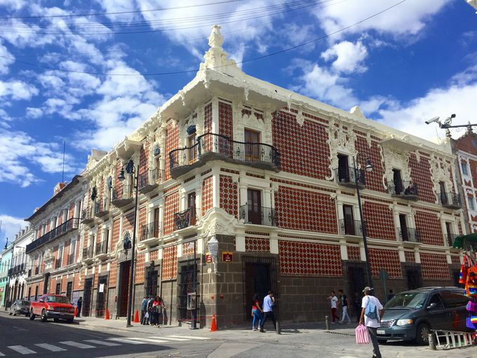 可愛らしい建築が見どころ「砂糖菓子の家」