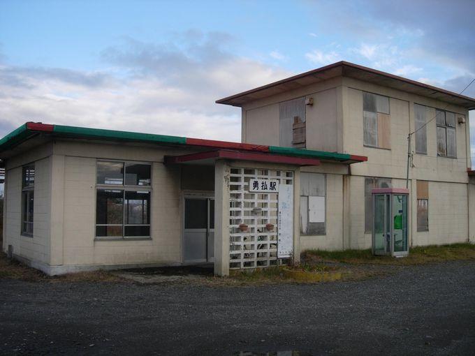 隣駅まで10分以上!日本一の鉄道直線区間を通って、勇払へ