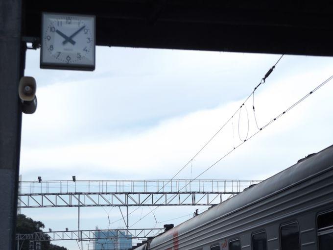 駅の時計にだまされてはいけない