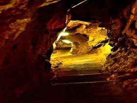 巨大な恐竜の落とし穴!北九州「牡鹿鍾乳洞」を探検|福岡県|トラベルjp<たびねす>