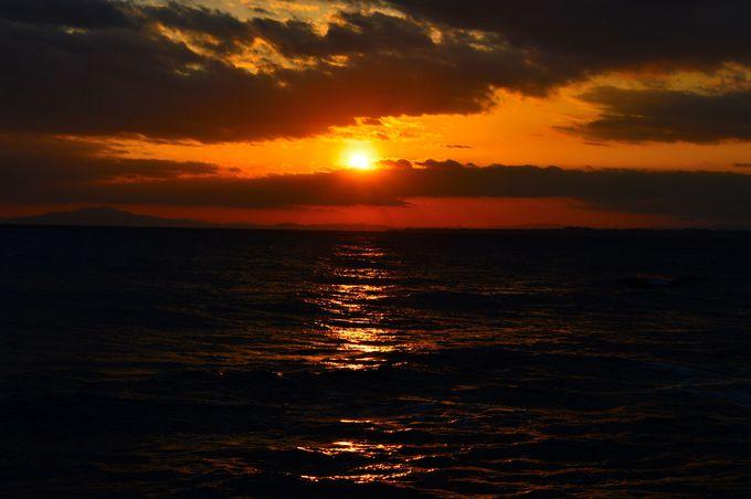 店を出ると絶景の夕日が目の前に