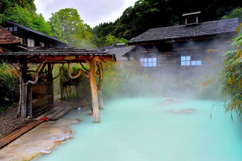 日本一有名な秘湯!秋田・乳頭温泉郷「鶴の湯」で趣たっぷりな内湯巡り