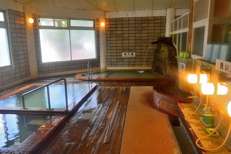 あの入浴剤とは違う色!北海道・カルルス温泉「鈴木旅館」で本当の色を知ろう!
