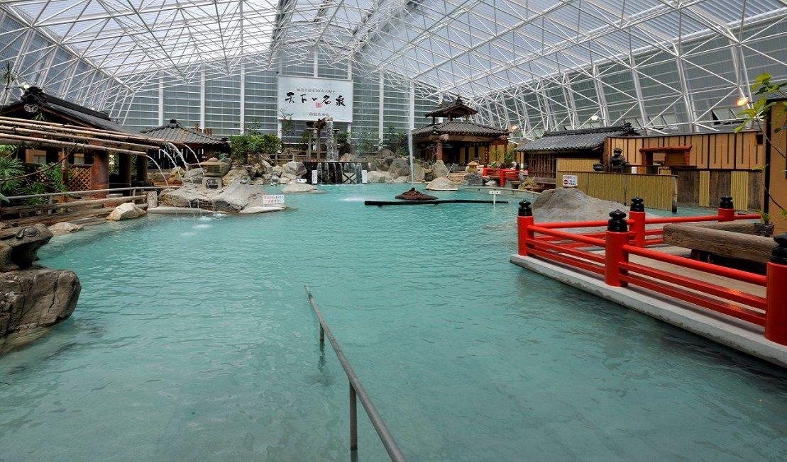 巨大すぎる混浴風呂!霧島ホテル
