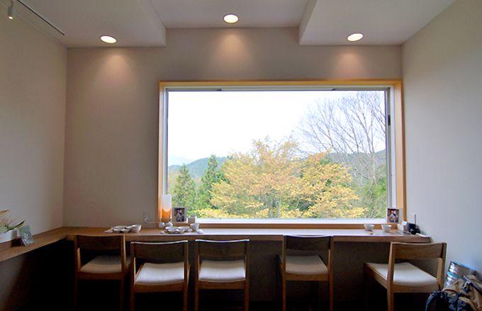 吉野山の景色を眺めながら葛を楽しむ贅沢な空間