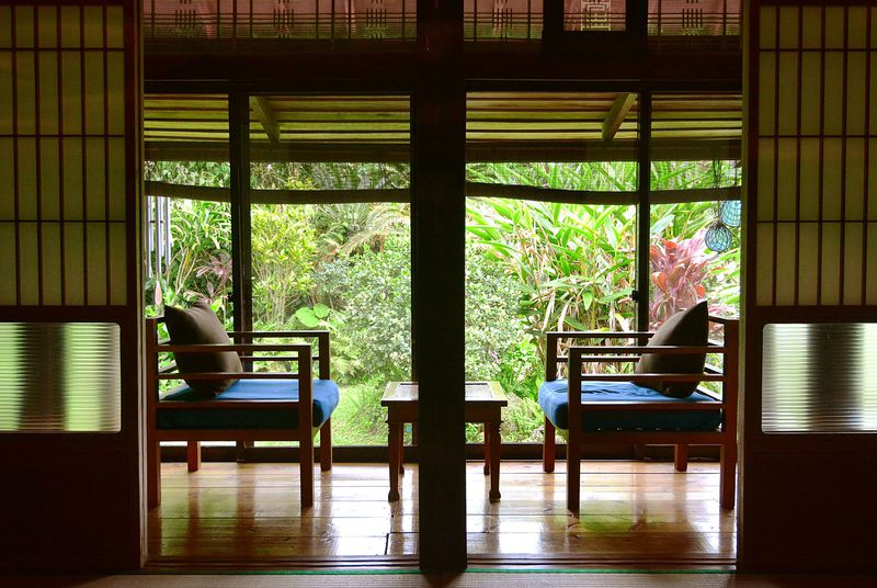 古民家をリノベーション。心地良い「島暮らし」を体感できる空間