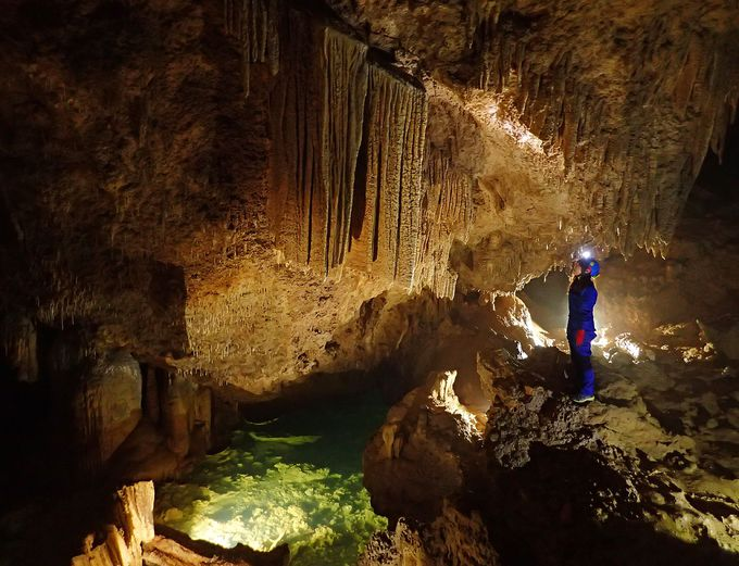 想像以上の美しさ!幻想的な地底世界にうっとり!