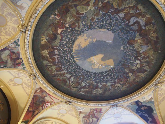 ミュシャが祖国のために描いたスラブの壁画