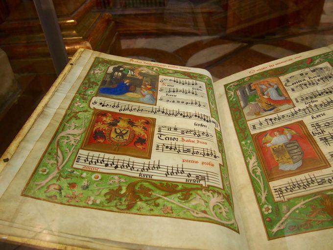 楽譜のコレクションも展示