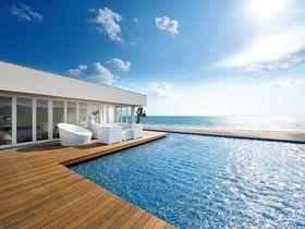 2ヶ月だけの贅沢時間!大人の海の家「アマンダンブルー鎌倉」|神奈川県|トラベルjp<たびねす>