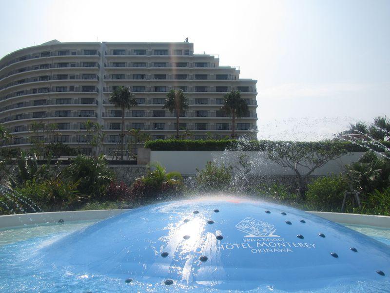 プールの充実ぶりが嬉しい「ホテルモントレ沖縄スパ&リゾート」