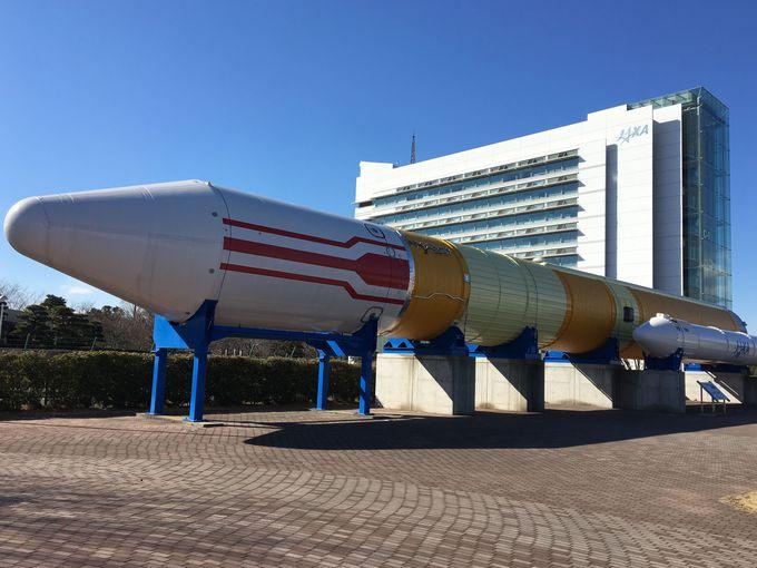 施設に入ると本物のロケットがお出迎え!