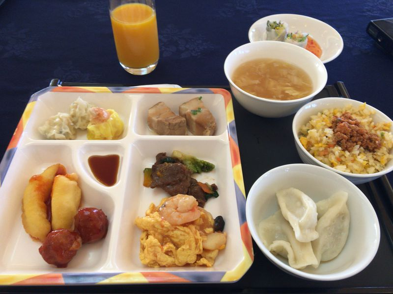 朝食に中華料理はいかが?沖縄「カヌチャリゾート」充実のレストラン