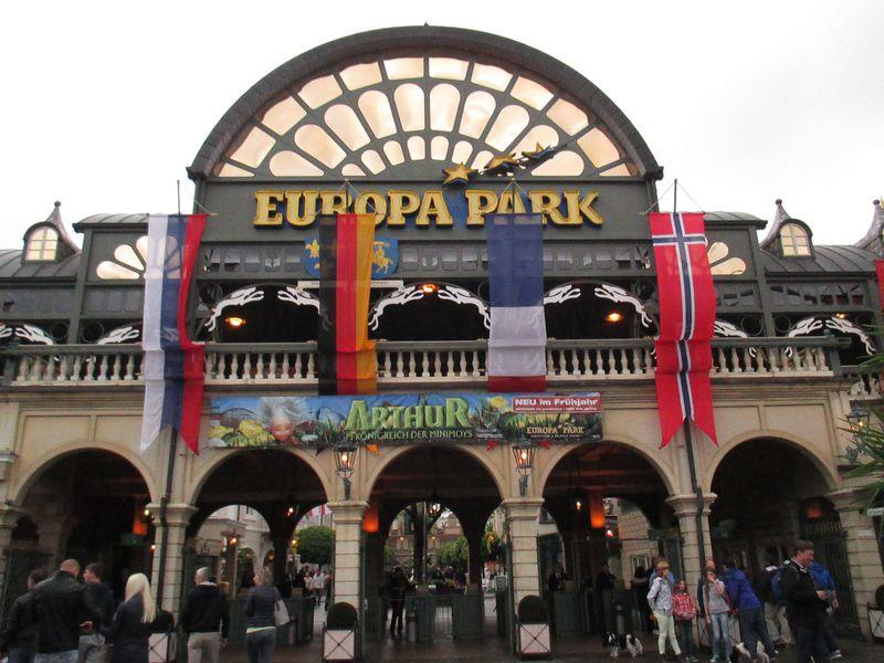 集えスピード狂!絶叫マシーン大集合のドイツ「ヨーロッパ・パーク」