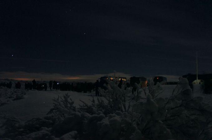 オーロラの雪原へ