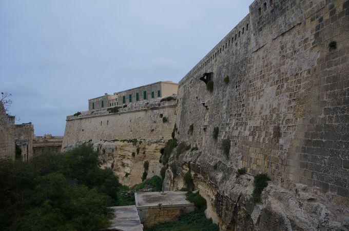 10万人攻めて来ても大丈夫!これがヴァレッタの城壁だ