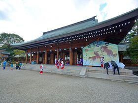 古都奈良の「橿原神宮」で日本の歴史と建築美を体感!美しい深田池もおすすめ|奈良県|トラベルjp<たびねす>