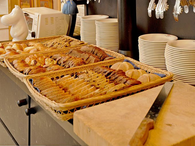 パンが食べ放題なんて贅沢!