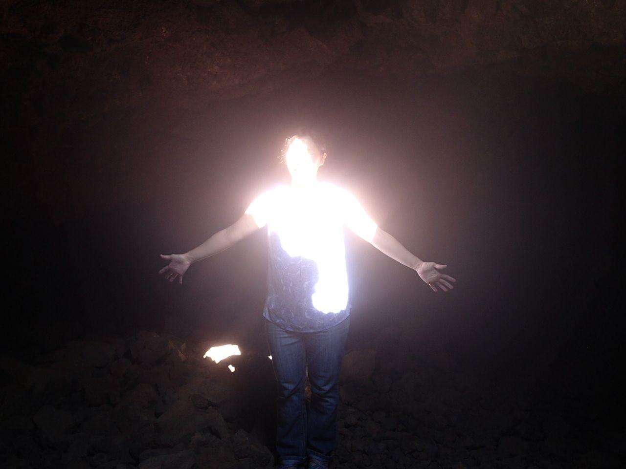 オーラが写る洞窟!?
