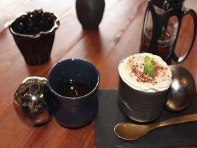 さとうきびが味の決め手!沖縄初のBean to Bar「タイムレスチョコレート」で極上ティータイム|沖縄県|トラベルjp<たびねす>
