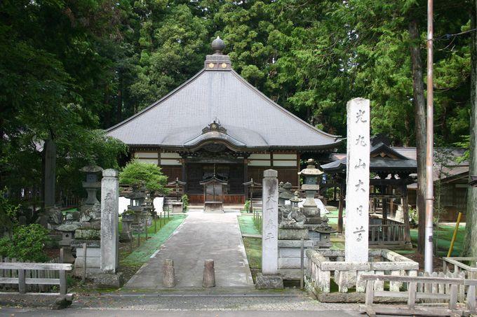 昔からの神仏混淆を色濃く残す寺