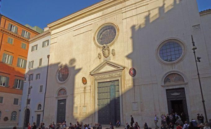 ローマではとっても珍しい!ゴシック様式の教会