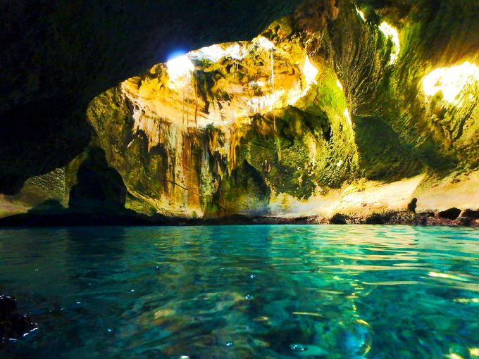 海中洞窟へ