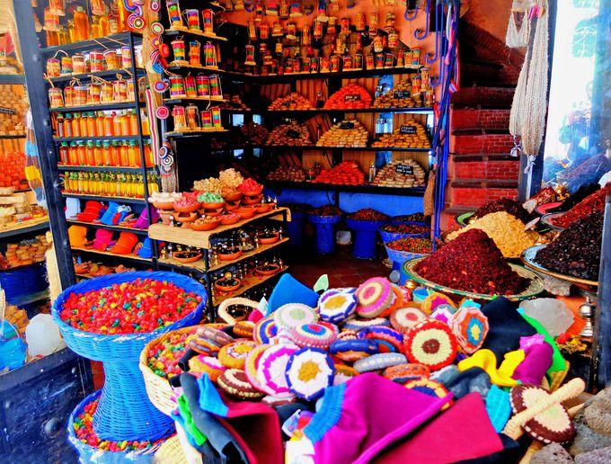 色彩いっぱいの雑貨屋