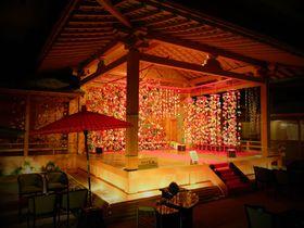 能舞台に二千体のお雛様!?長野昼神温泉「石苔亭いしだ」は極上の隠れ処|長野県|トラベルjp<たびねす>