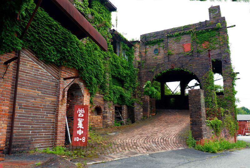 徳島にラピュタ出現!驚愕のセルフビルド・廃墟カフェ「大菩薩峠」