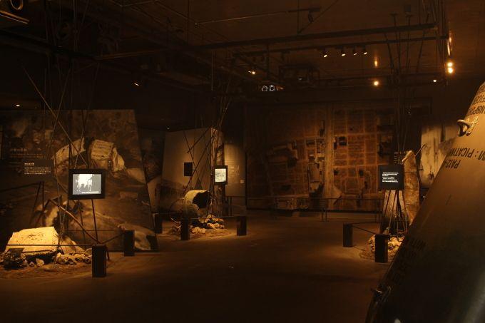 大阪空襲 落とされた爆弾の実物大や原寸の防空壕