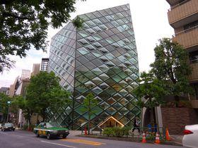 まるで野外博物館! 東京・表参道 には世界の有名建築家の作品が建ち並ぶ!