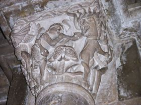 ブルゴーニュ地方の世界遺産の村「ヴェズレー」で中世の彫刻を楽しもう!
