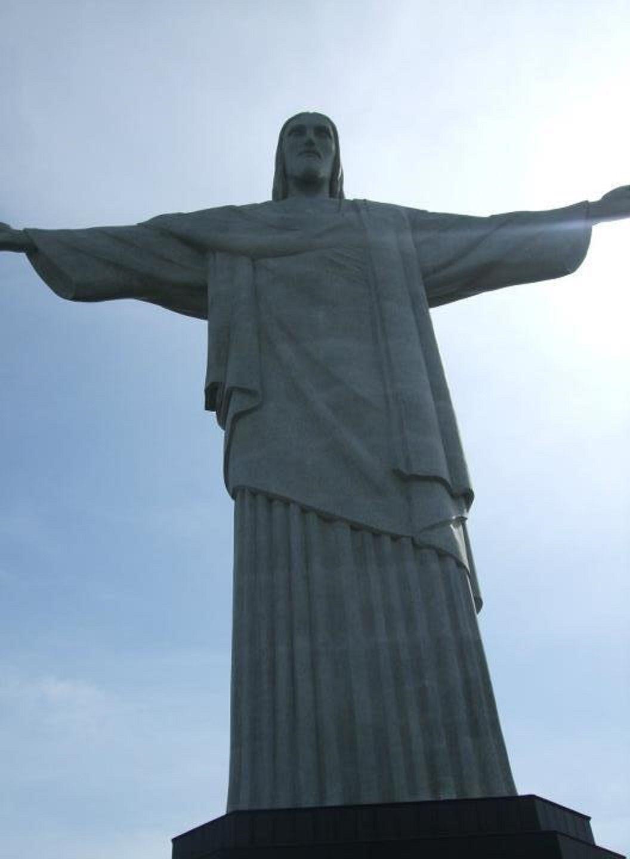 リオの全てを見渡す絶景!コルコバードの丘