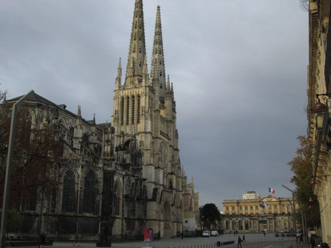 街のシンボル「サンタンドレ教会」
