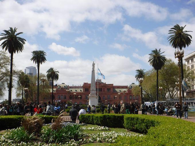 ブエノスアイレス観光の拠点「5月広場」