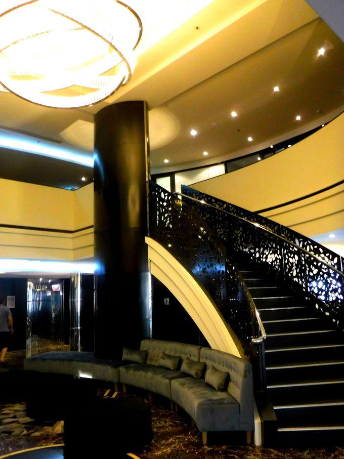 「ペッパーズ・ウェイマウスホテル」は内装が豪華!