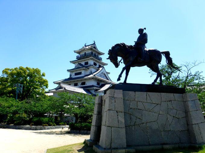 お堀の水は、なんと海水!「日本屈指の海城」今治城
