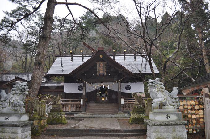 謙信を祀る春日山神社