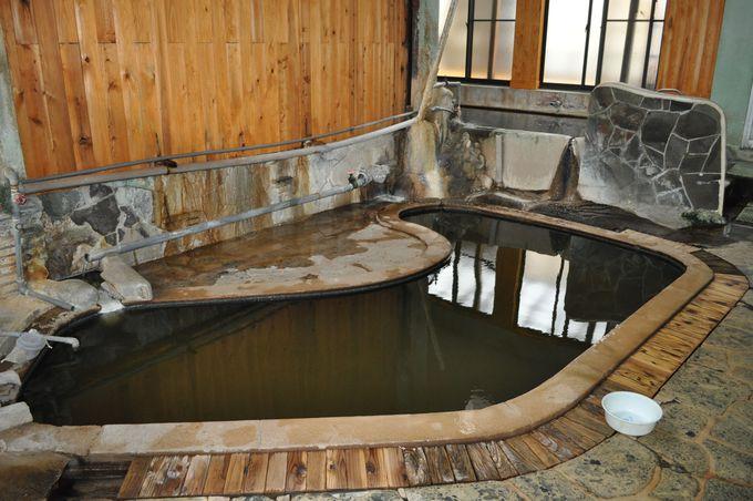 いよいよ黒湯とプール風呂