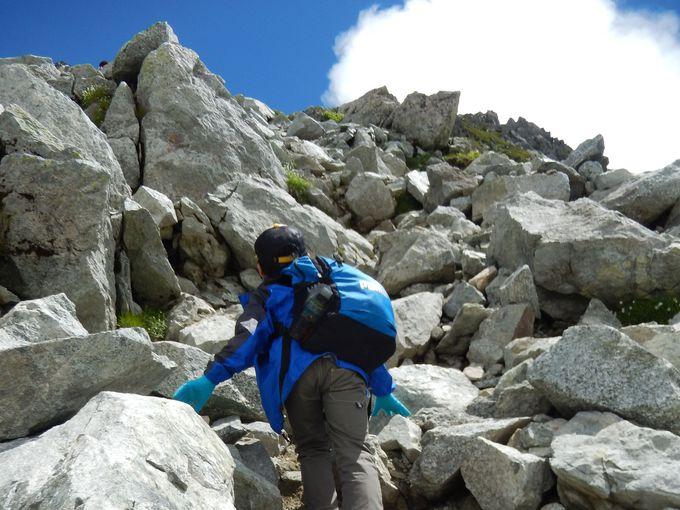 一の越から、立山主峰の一つ「雄山」の山頂まで