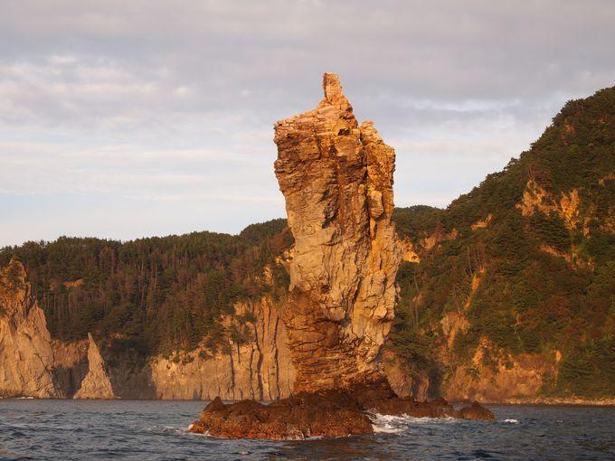 ローソク島のそばへ。日没前の姿をチェック!