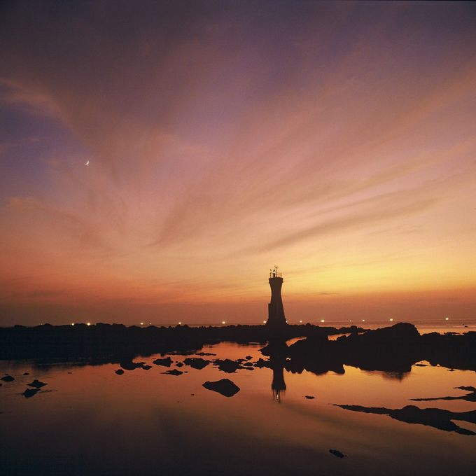 七浦海岸「長手岬」で、人と海とのつながりを感じながら観る夕陽