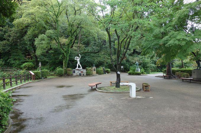 片倉城跡公園の正面入り口は彫刻広場、城跡は何処に?
