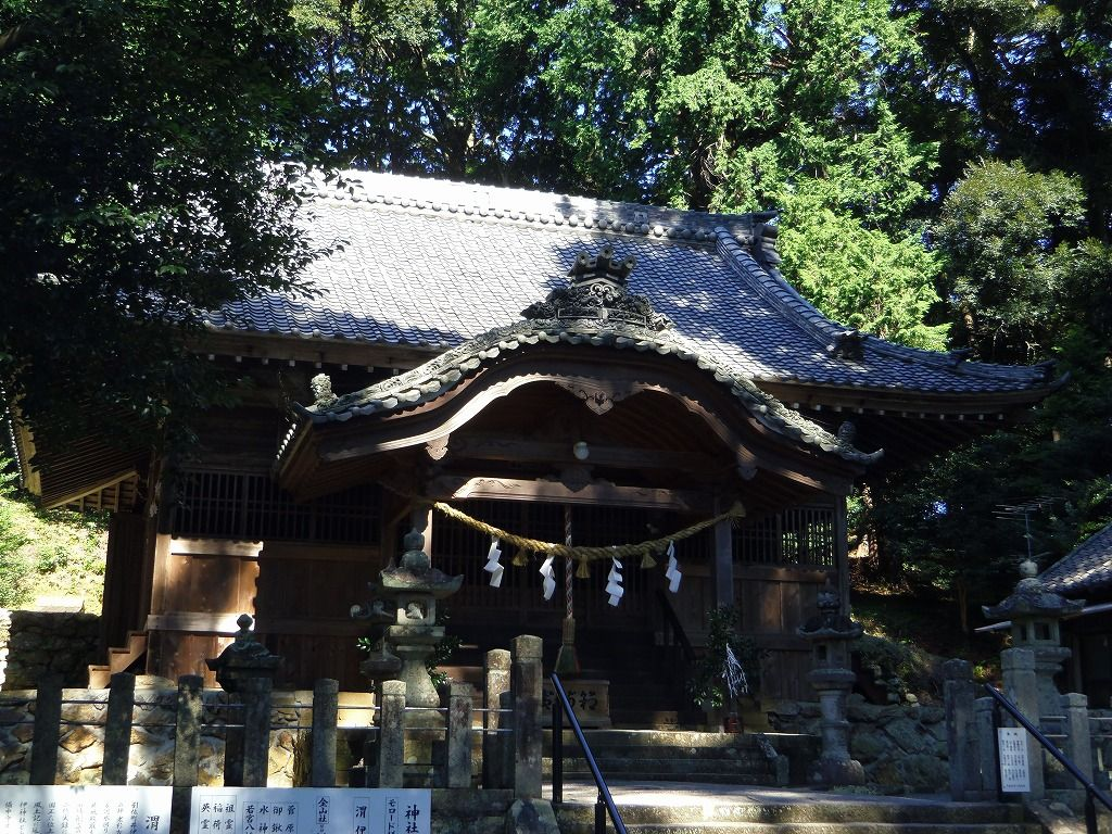 八幡神を祀る井伊氏の氏神「渭伊神社」