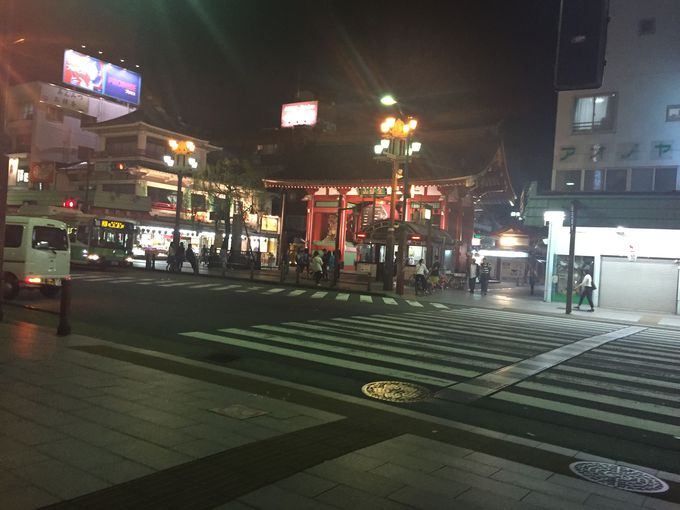浅草駅から徒歩7分、浅草演芸ホールすぐ!抜群のアクセスのよさ