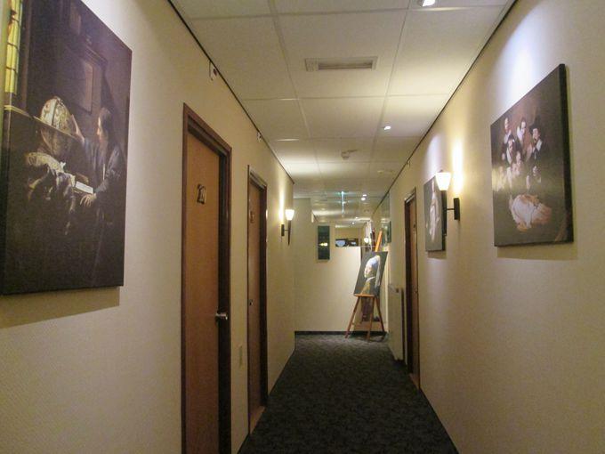 ファンにはたまらない!フェルメール作品がコンセプトの部屋